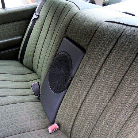 Mercedes E W124 Sedan - obudowa subwoofera