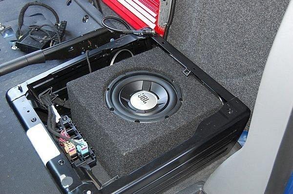 VW Transporter T5 - obudowa subwoofera