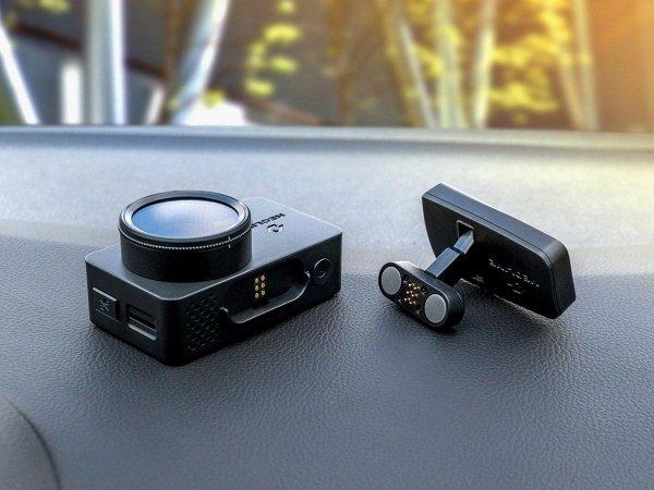 Neoline G-Tech X72 - stylowy rejestrator samochodowy