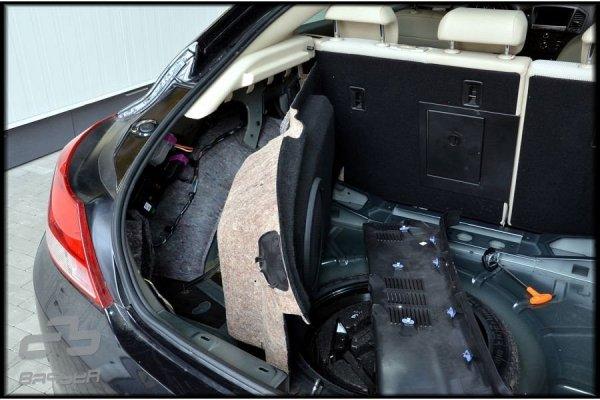 Opel Insignia HB - obudowa subwoofera